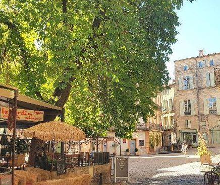Schau dir mal Pezenas an in deinem Urlaub im Süden von Frankreich