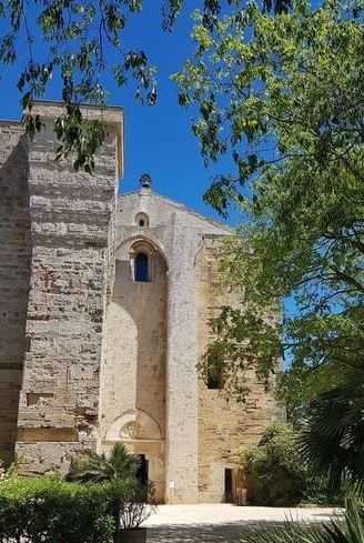 Urlaub in Südfrankreich - Kathedrale von Villeneuve-lès-Maguelone